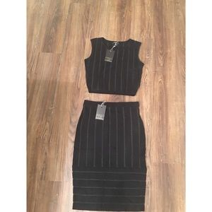 Dresses & Skirts - NWT 2 piece skirt and crop top